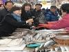 [사진] 식약처장 설 앞두고 전통시장서 위문품 구입