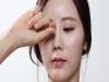 마스크 때문에 강조되는 눈 화장...눈 건강은?